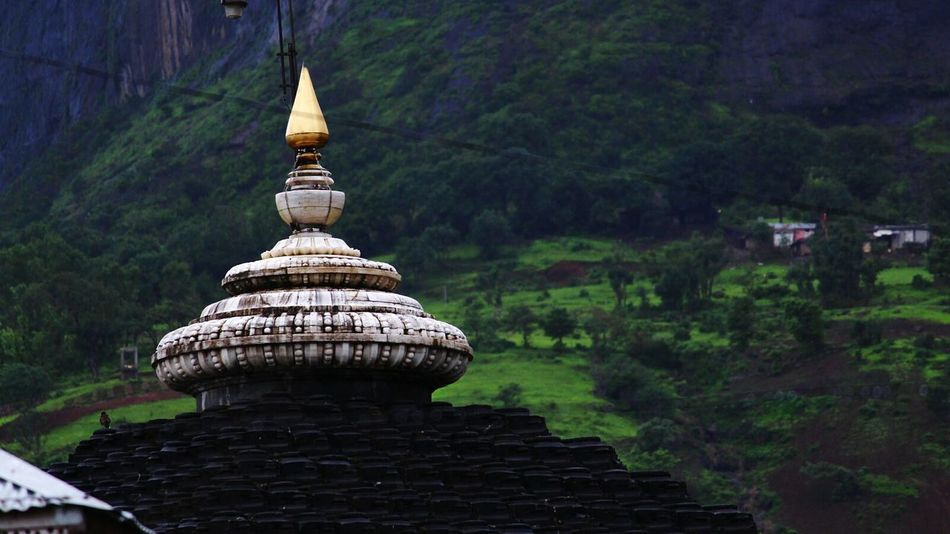 Trimbakeshwar Temple Mountains Green Cool Climate Gopuram