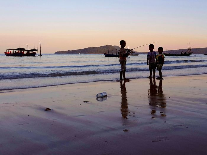 Kohrong Streetpotrait ASIA Kids Children Only Beach Beach Photography Seaside Exploring Children Fishing Sunset Sunsets No Adult Shillouette Freedom Life Is A Beach