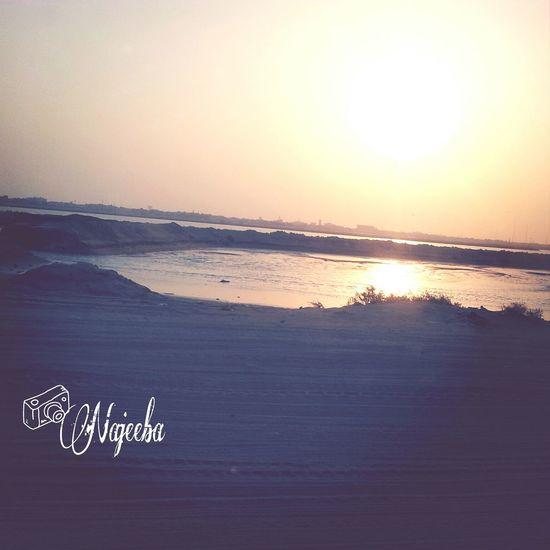 ما أجمل أنعكاس أشعة الشمس القطيف تصويري  بحر القطيف غروب_الشمس