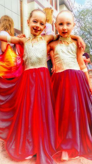 Enjoying Life прохладный Faces Of Summer доченька Доченька Валерия с подругой Сашей после выступления на день города Прохладного