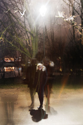 Full Length Outdoors Nature Young Women Lighting Equipment Light Leak Traveling Home For The Holidays Blurred Motion Strangers In Transit Standing Adapted To The City Uniqueness