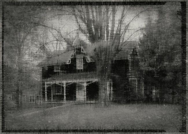 Spooky House Abandonedporn EyeEm Best Shots - Black + White EyeEm Best Edits Creepypasta Exploring The Unknown