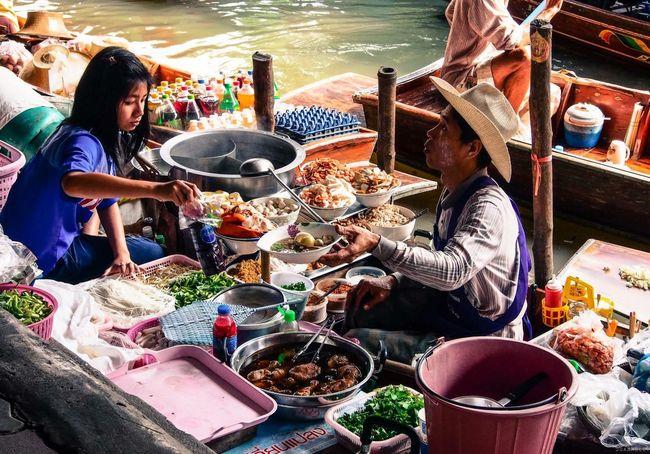 Bangkok Thailand Floating Market Boatman Vibrantlife Asian Culture