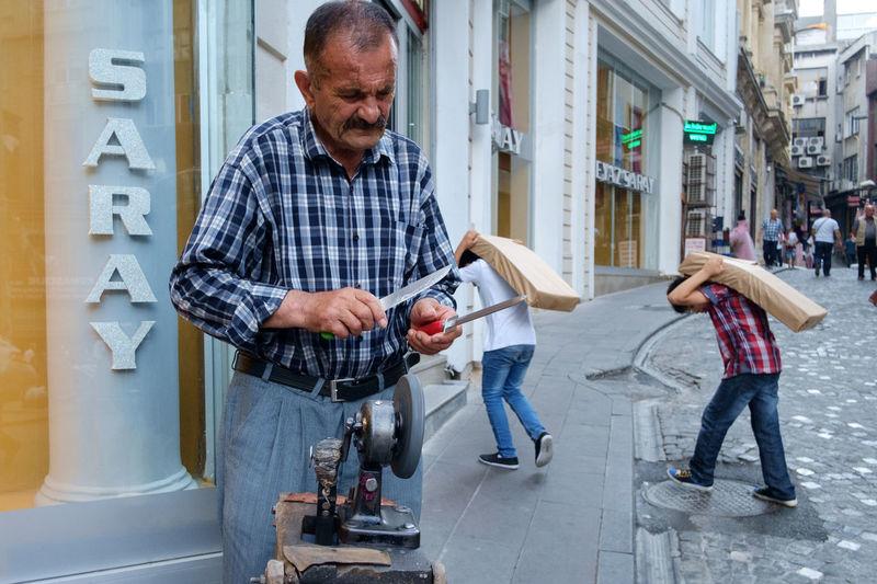 Getting sharp Streetphotography Street Photography Street Hunters Streethunters Istanbul Street Hunt Istanbul Fujifilm X-Pro1 X-Pro1