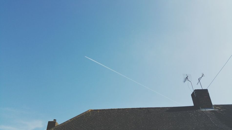 My House Outside My House My View Looking Up Distant Plane checking for chemtrails