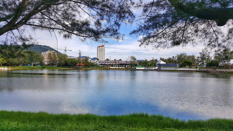Lake view city.