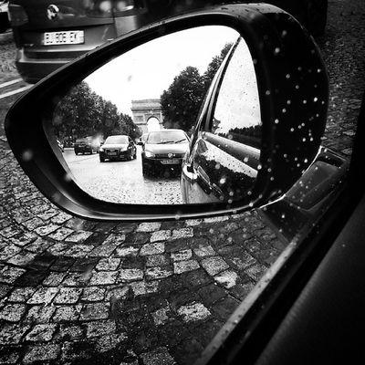 Paris in my rear-view mirror Paris Parisjetaime Iloveparis Parisisalwaysagoodidea parisiloveyou parisian parisienne igersparis instaparis arcdetriomphe city drive cars ds3 ds3citroen cargram carstagram carphotography instacar instaauto view sky photooftheday