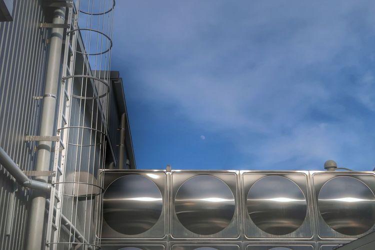Receiving Tank Factory Factory Equipment Sky Pipe - Tube Pipeline No People Industry Outdoors Moon 工場 水槽 月