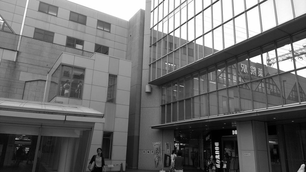Architecture Low Angle View City Window Office Building City Life Building Story Station Train Reflections Reflection_collection Reflection Fukuoka,Japan City Life City Street Blackandwhite Black & White Black&white Blackandwhitephotography Black And White Collection  Monochrome Monochromatic MonochromePhotography Black And White Blackandwhite Photography Streetphotography_bw