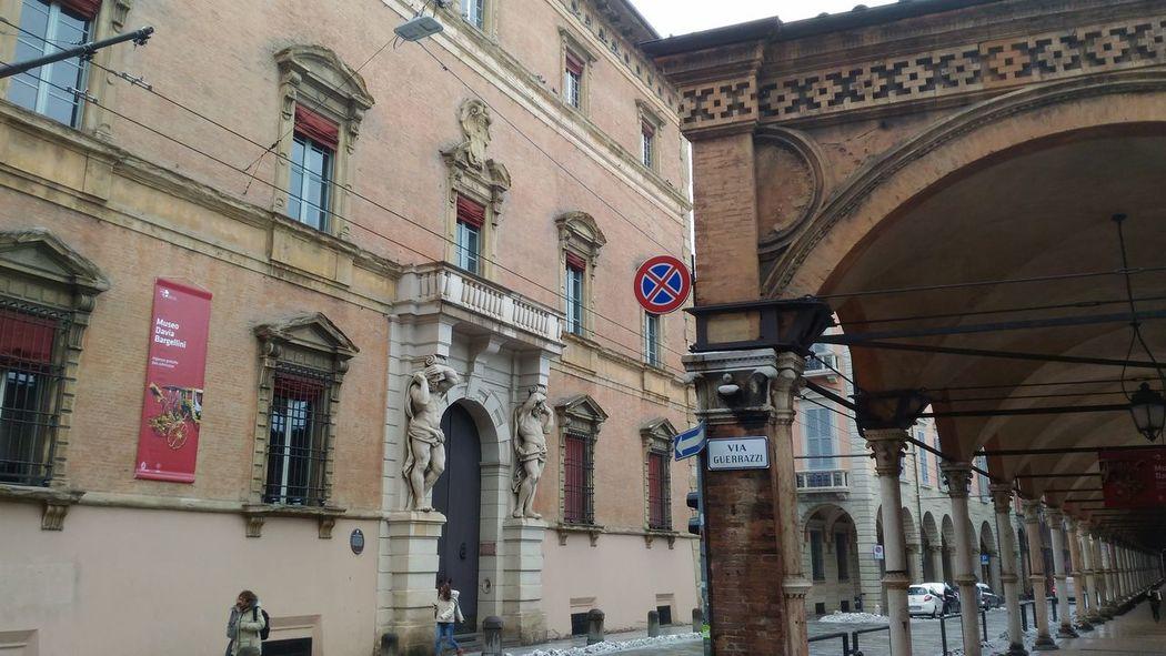 Bologna Centro Palazzo Davis Bargellini Portico Dei Servi Architetturaitaliana Centro Città