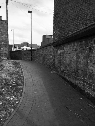 My Home Town! Willenhall Black & White Check This Out