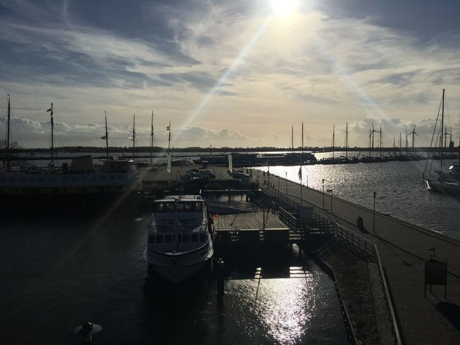 I have a new internship and this is my view. 😍 I can imagine worse. + there was no filter needed for this picture. Autumn Internship Harbor Dutch Beautiful Sea Boats Boat Water Clouds Sun Nofilter