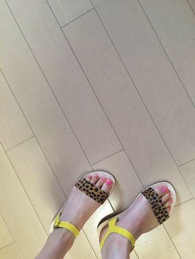 気の早いお買い物♡ Shoes Sandals Summer Fashion Summerfashion Fashion Photography Leopard Leopard Print Yellow Shopping ♡ Jonak  Enjoying Life