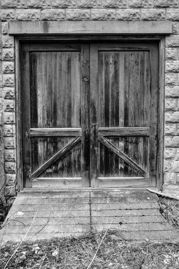 weathered wood barn door Bradley Olson Bradleywarren Photography Backgrounds Background No People Room For Text Room For Copy Copy Space Copyspace Vintage Old Weathered Weathered Metal Weathered Wood Old-fashioned Antique Built Structure Architecture Building Exterior Day Outdoors Entrance Closed Door Wood - Material Safety Security Protection Building House Window Abandoned Front Door Deterioration