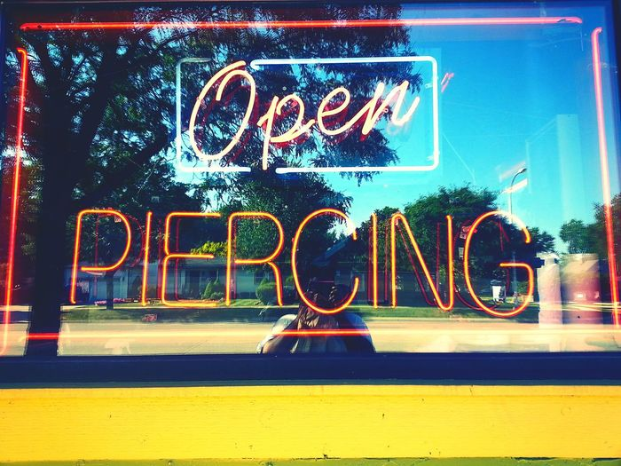 OuttAndAbout Whatisee Tattooshop PiERCiNGS & TATTOOS Lights And Words Neon Sign