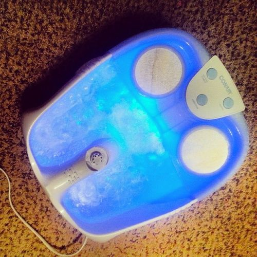 A lil relaxation for my feet :)!! Conair Footspa Lights Bubbles