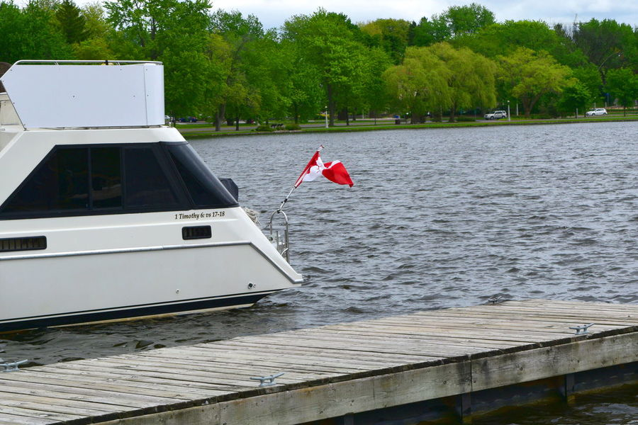 Boat Dow's Lake Drapeau Canadien Flag Means Of Transport Rideau Canal Vessel Water