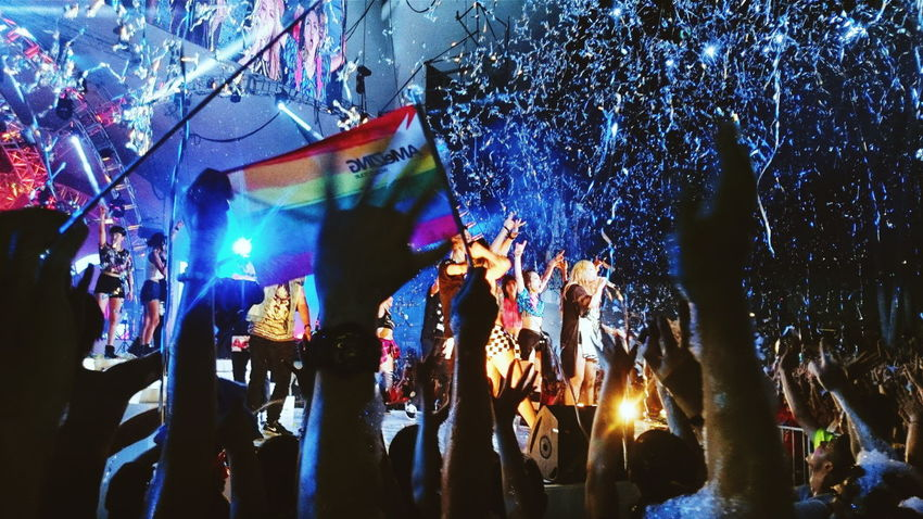 Amei  Paramore Rainbowflag Lgbt Pride Marriage Equality Taiwan Concert Music Brings Us Togheter