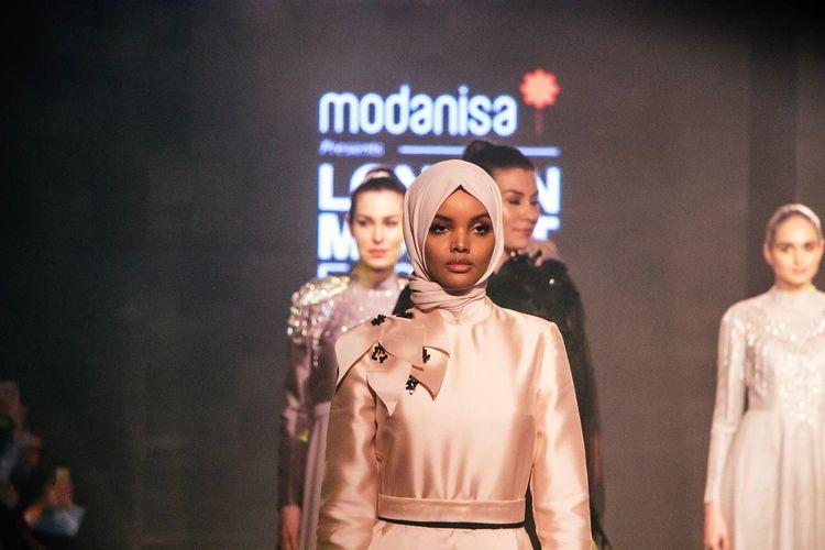 NYFW Model:: Halima Aden at the London Muslim Fashion Show Portrait Celebrity Fashion Model Fashion Photography Cat Walk London London Olympia Halima Aden