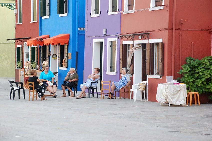 This Is Aging Stories From The City Italian Style Burano, Italy Burano Italy Burano Island Women Women Chatting Chatting Chitchat Streetphotography Street Photography Street Chat Italian Women The Street Photographer - 2017 EyeEm Awards