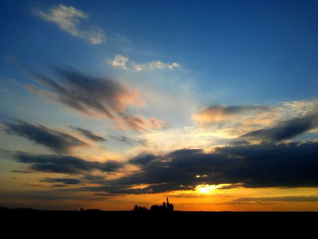 Iowa sunset. Pretty Check This Out Orange Color Sunset Silhouette Dramatic Sky Cloud - Sky Scenics No People Sky Nature Beauty In Nature Tranquil Scene Blue
