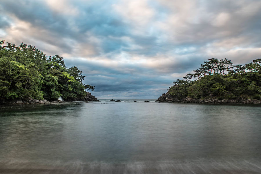 Tree Cloud - Sky Tranquility Water Nature Tranquil Scene Outdoors Sky Scenics No People Day Beauty In Nature Lake Vacations Travel Destinations Beach Landscape Sea Water_collection Beauty In Nature Nature HDR Collection HDR HRD Effects 明鏡洞