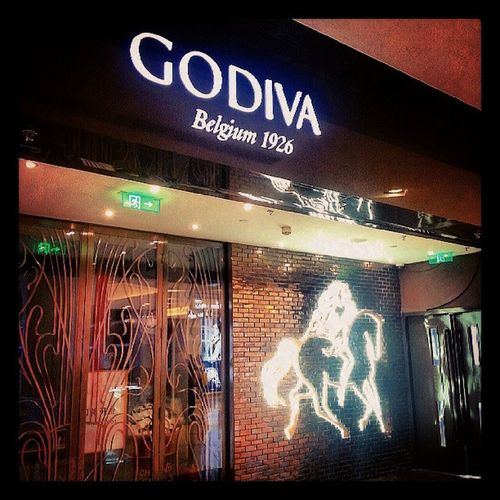 Godiva Wangfujing Sanlitun Apm chocolate sweet yummy instaplace instamood Beijing instalife