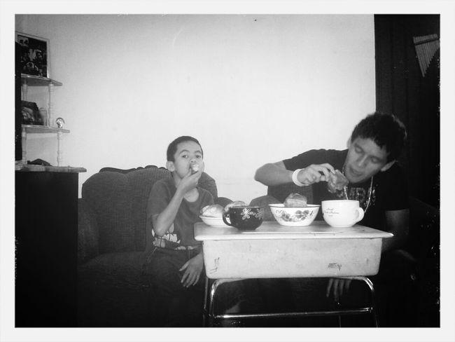 Withmybrother Family Eating Blackandwhite
