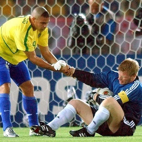 Ronaldo.khan.2 asterae 2002