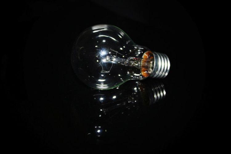 EyeEm Best Shots EyeEm EyeEm Selects EyeEm Gallery Black Background Filament Light Bulb Reflection Studio Shot Close-up Energy Efficient Lightbulb Bulb Electric Bulb Electricity  Lighting Equipment