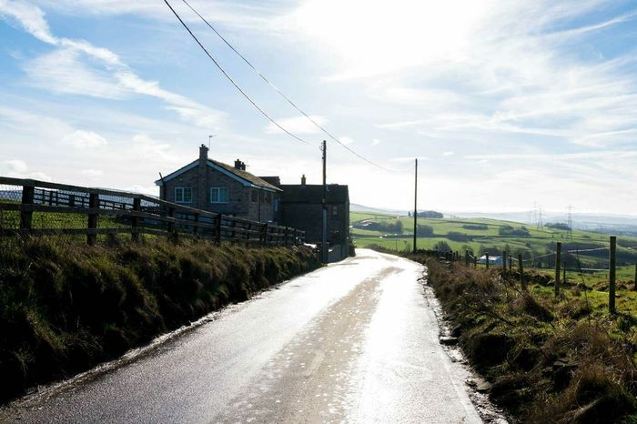 Mossley Countryside Cottage Sunshine Hills And Valleys
