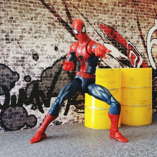 """Just you're friendly neighbourhood Spider-Man."" Marvellegends Spiderman Peterparker Spiderverse Theamazingspiderman Marvel Marveluniverse Marvelactionfigure Marvelcomics Hasbro Actionfigure Toyphotography Toycrewbuddies ACBA Articulatedcomicbookart Marvellegendscommunity"