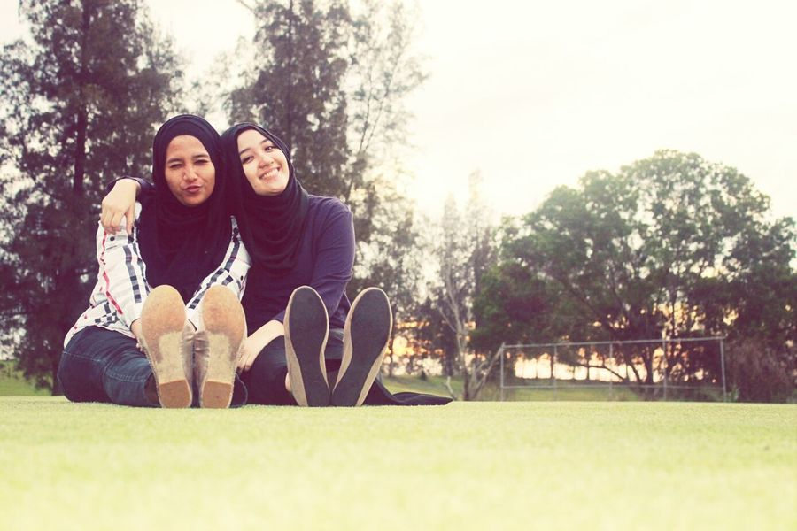 Taking Pictures with My Bestfriend and Canon 1100D Hijab