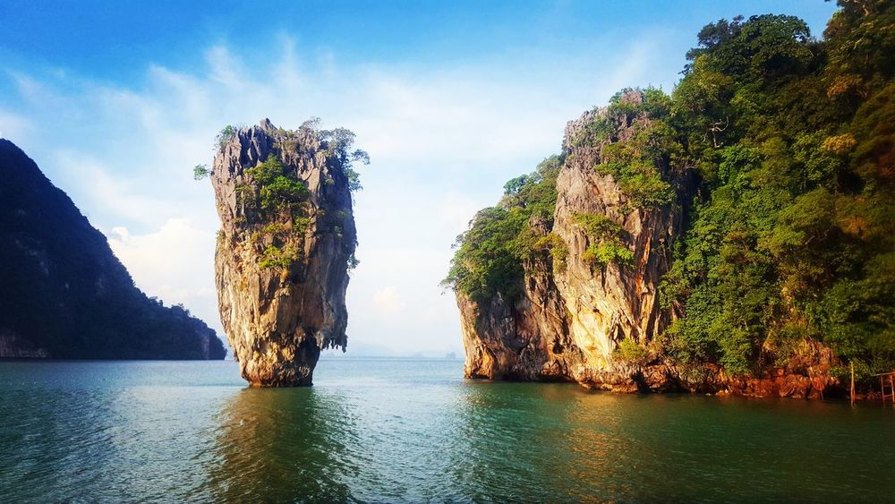 Water Outdoors Tree Day Nature Sea Sky No People Beauty In Nature UnderSea Phuket,Thailand Phuket Thailand_allshots Thailand Adaman Sea James Bond James Bond Island Islandlife Bangkok