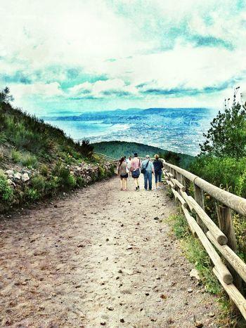 У кратера Везувия. Везувий Италия Тропа Неаполь неаполетанский залив Vesuvio Napoli Golfo Di Napoli