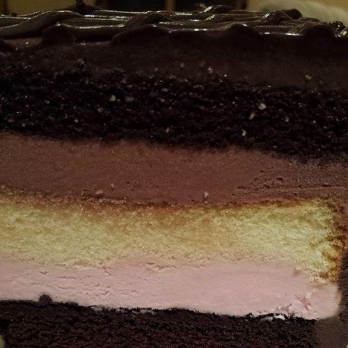 Yummy!!! Chocolatecake Icecreamcake  Instacake