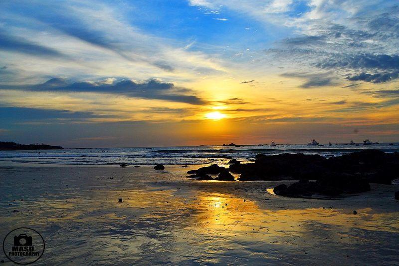 Cuando andaba de paseo por Guana Caste, tamarindo excelente lugar para visitar el ambiente por las noches es increíble Costa Rica Sunset Nikonphotography