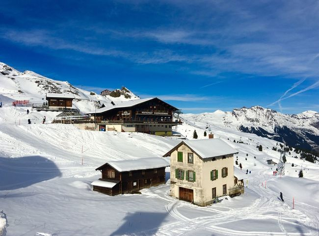 Wengen Kleine Scheidegg Jungfrau - Top Of Europe 🇨🇭 Switzerland Snow ❄ Architecture Architecture_collection Traveling Traveling Photography Landscape Landscape_photography Blue Sky