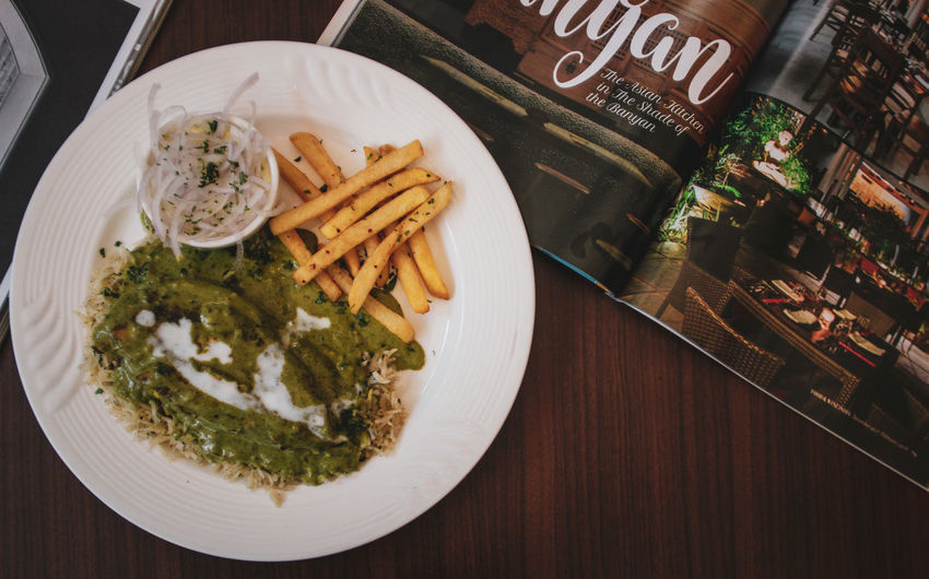 lunch date Food Food Photography Rice Rice And Chicken Chicken Creamy Cream Of Pesto Meat Closeup Lunch Dinner Lifestyle Magazine Reading Eating Eat Hunger Hungry City Plate Close-up Food And Drink Fast Food French Fries French Fries Fried Potato EyeEmNewHere