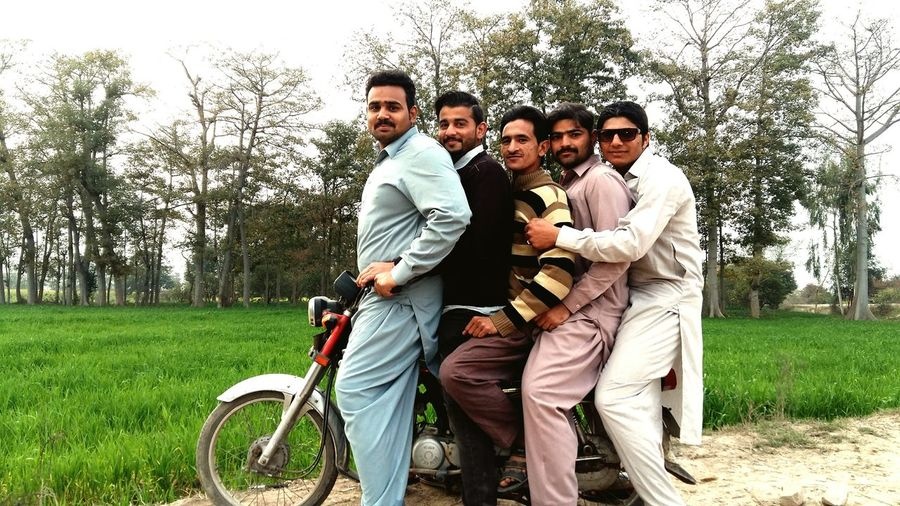 Enjoying Lifeenjoyingwithfriends Check This Out Mobilephotography Pakistanphotochallenge In Pakistan Eyeem Pakistan Nawanlahore SamsungJ7 Open Edit THESE Are My Friends Withfriends