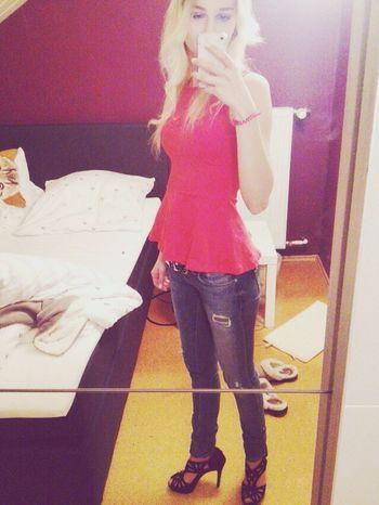Party Goout High Heels Fashion Blondie Curlyhair Selfie ✌ Red Enjoying Life Taking Photos