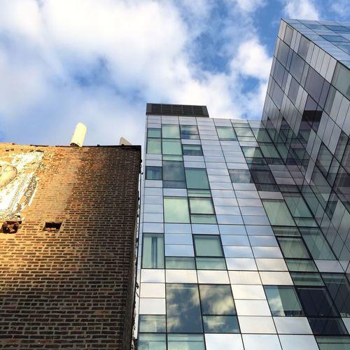 TakeoverContrast Architecture Newyorkcity Highline Building Exterior Modern EyeEm Brick Buildings Buildings & Sky