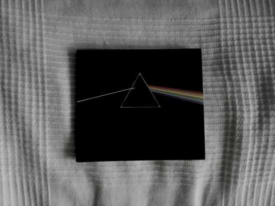 Listening to this beautiful album right now. ♡ Pink Floyd The Dark Side Of The Moon Listening To Pink Floyd Cd