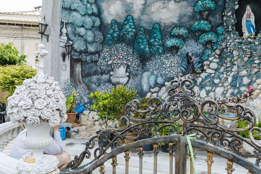 Our Lady Of Lourdes Flower Streetphotography Streetstyle The Street Photographer - 2018 EyeEm Awards