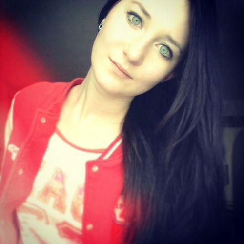 JustMe Girl Eyes Selfie