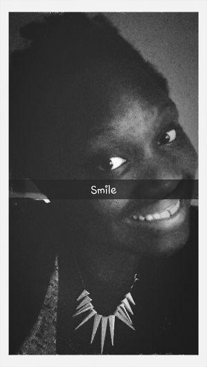 Schönheit kommt von innen , also lächel ♡ First Eyeem Photo