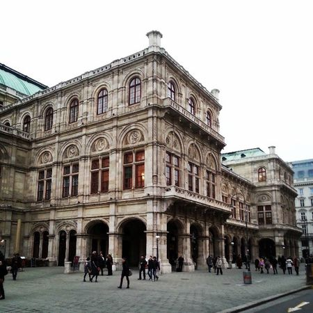 #vienna #opera #staatsoper #austria #historic #building Vienna Building Opéra Austria Historic Staatsoper