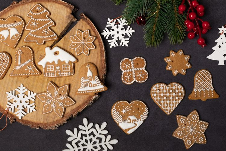Christmas Holiday Celebration Decoration christmas tree Christmas Decoration Star Shape Tree Indoors  No People Shape Pattern Cookie Sweet Food Baked Design Gingerbread Cookie Christmas Ornament Food Winter
