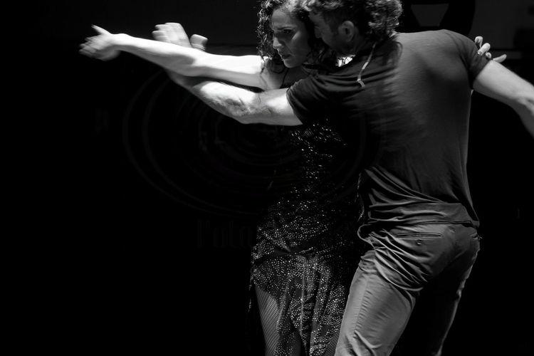 tango Tango AraceliGonzalez Bailar Sportsman Athlete Black Background Muscular Build Competition Men Boxing - Sport Sport Boxing Glove Talcum Powder Fighting Stance Combat Sport Self-defense Sports Glove Fist Fighting Warrior - Person Boxing Ring Ear Protectors Samurai Hitting