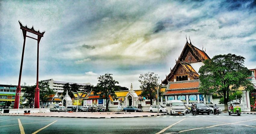 Cloud - Sky Day Sky HTC ความทรงจำผ่านมือถือ Htcphotography Enjoying Life Life Is Beautiful HTC_photography HTC One M9 Mylife Photographer Life Htcthailand Architecture Built Structure Road Building Exterior Street Transportation Spirituality Car Religion Place Of Worship Tower